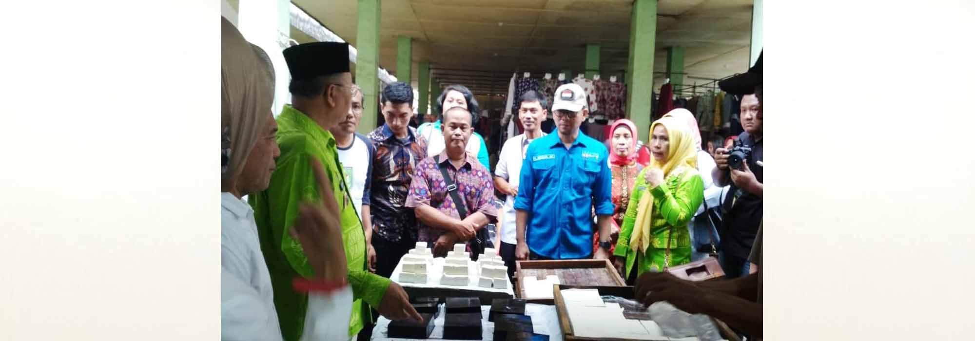 Sidak Pasar Jelang Lebaran, Kadis Kominfo Turut Dampingi Bupati Sergai