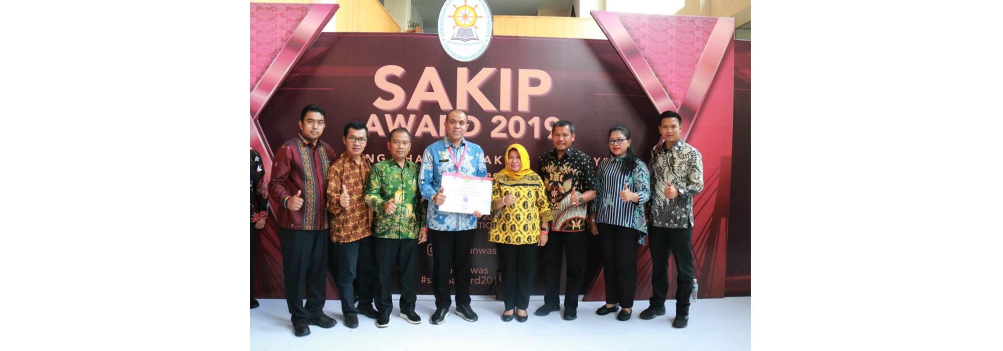 Kadis Kominfo Sergai Dampingi Sekadakab Terima SAKIP Award 2019